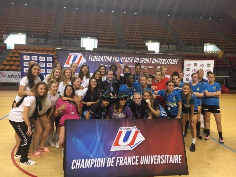 Prémière partipation de l'équipe fémine de handball au championnat de france Elite